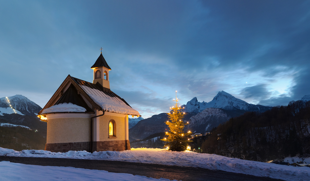 Quiz 7 strange european christmas traditions daytrip for How did the christmas tree tradition start